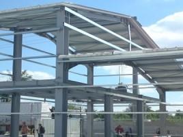 Cum se scade costul unei hale metalice?