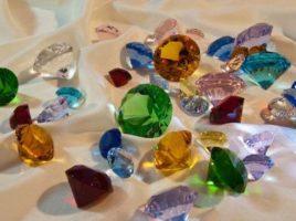 Ce sunt pietrele semipretioase si cum sunt vazute ele?
