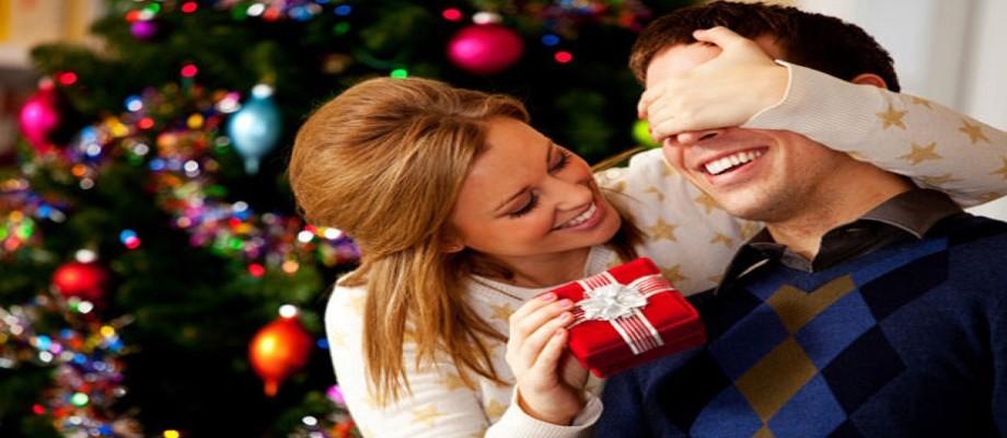 De ce sa oferi cadouri de Craciun unor barbati?