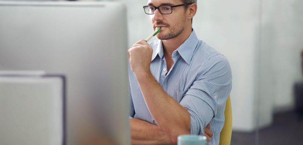 Cum iti poti proteja ochii atunci cand stai la calculator?
